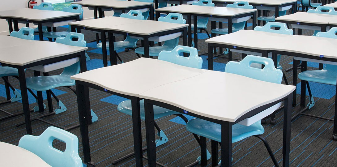 Whiteboard Surface Student Desks & Tables